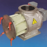 Rotary valve with quick cleaning